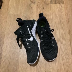 Nike metcon black sneakers - size 7